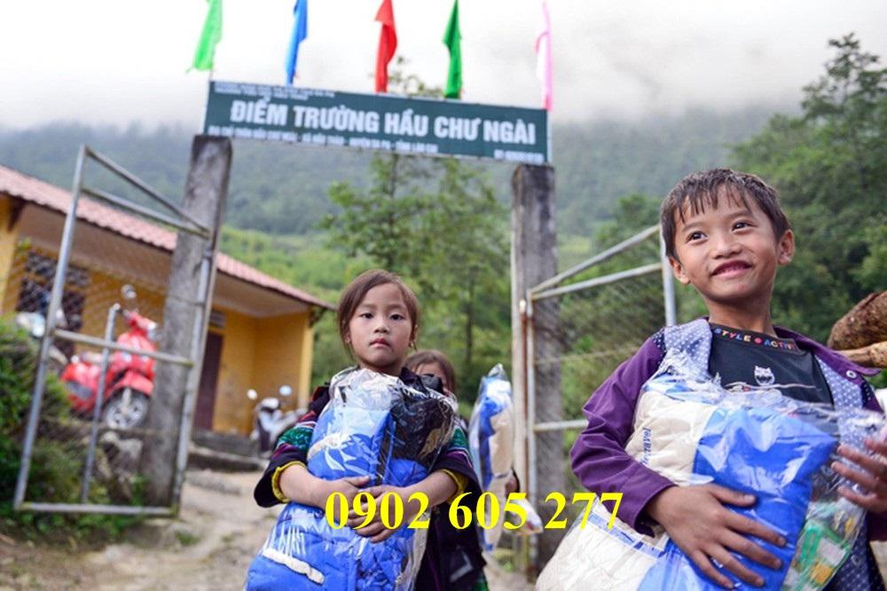 Tìm nơi bán áo ấm từ thiện cho trẻ em ở Hưng Yên