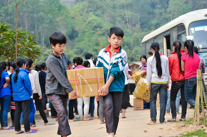 Xưởng may áo khoác từ thiện làm quà tặng tại Bảo Lộc
